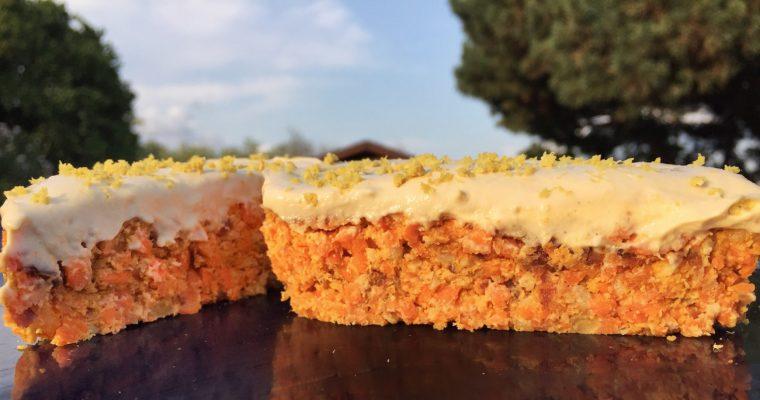 La Raw Carrot Cake più Semplice del Mondo – Torta di Carote Raw Vegan
