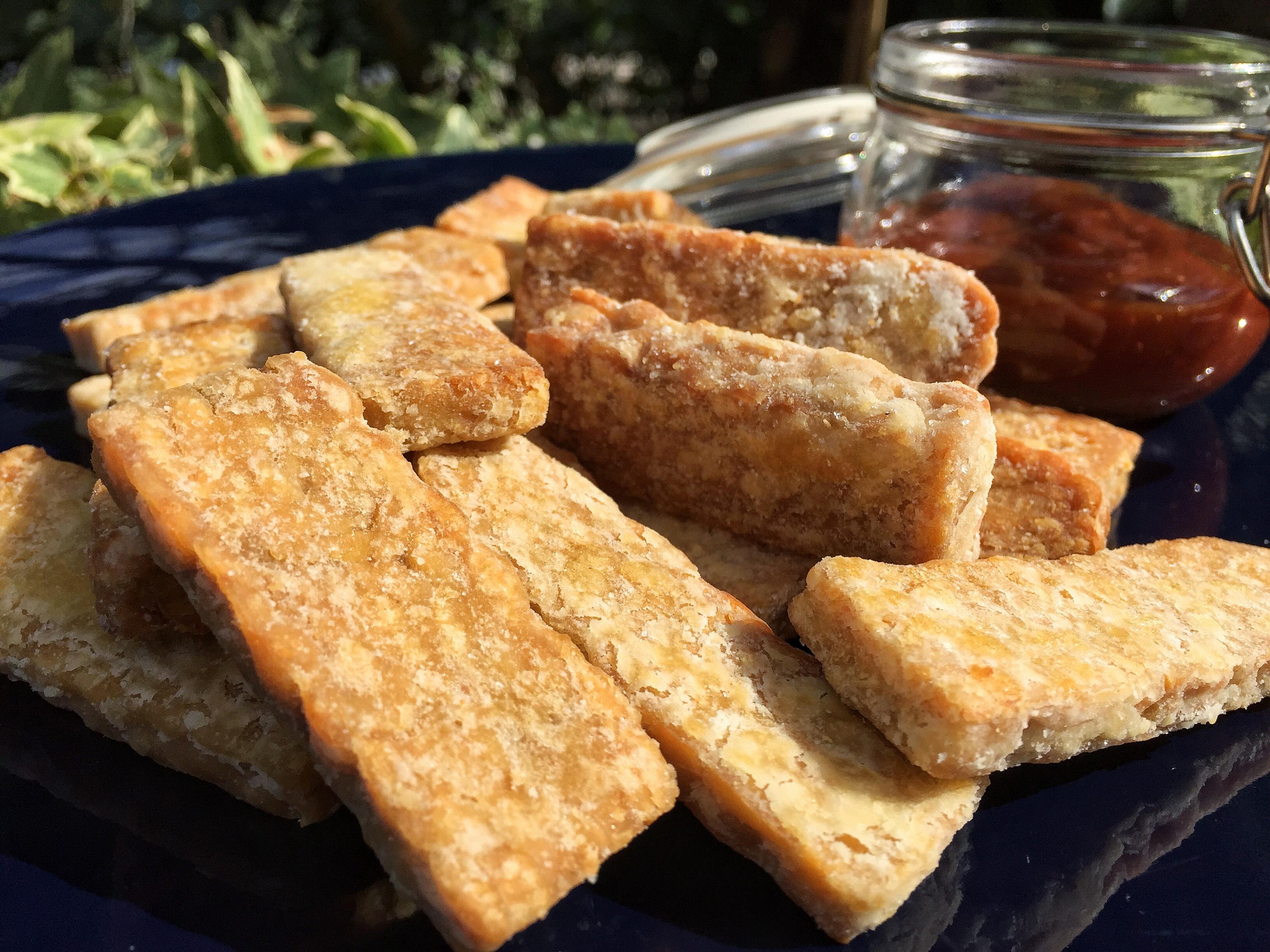 Bastoncini di Tempeh con salsa Barbecue veloce